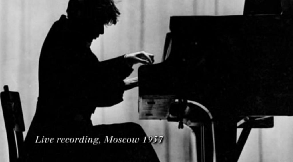 Glenn Gloud - Fotoğraf: Genius Within: The Inner Life of Glenn Gould (2009) belgeselinden