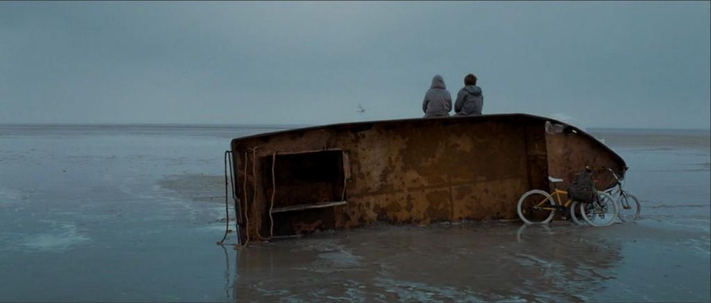 Womb - Clone - Denizin Kenarı - Film Analizi / Eleştirisi